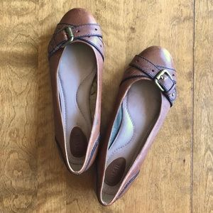 Fossil brown cognac leather buckle ballet flats
